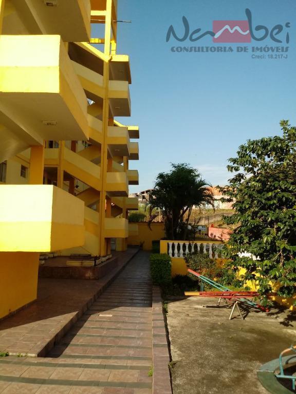 apartamento médio com 02 dormitórios, sala, cozinha, wc, área de serviço e 01 vaga de garagem...
