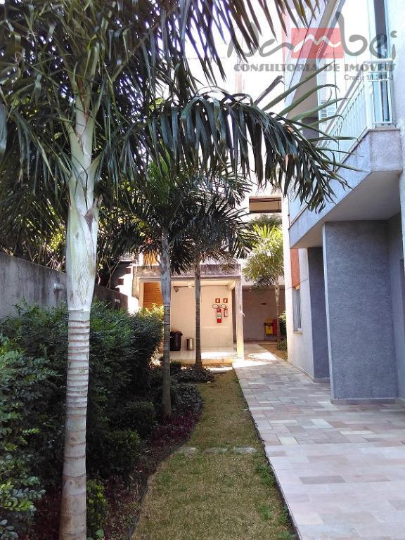 apartamento com 02 dormitórios, sala ampla, cozinha americana, wc, área de serviço e 01 vaga de...