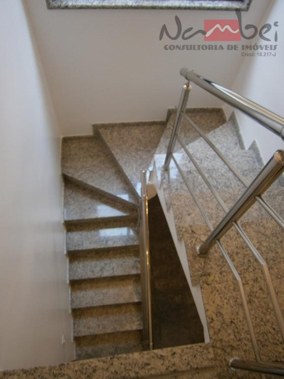 sobrado frontal com 03 dormitórios sendo 01 suíte c/ closet, sala ampla, cozinha c/ móveis planejados,...