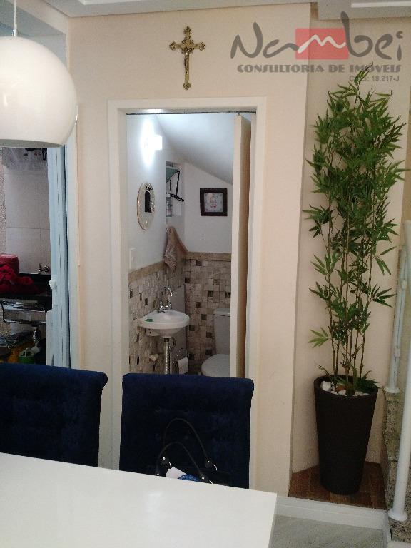 sobrado em condomínio com 02 dormitórios sendo 02 suítes com móveis planejados, sala 2 ambientes, cozinha...