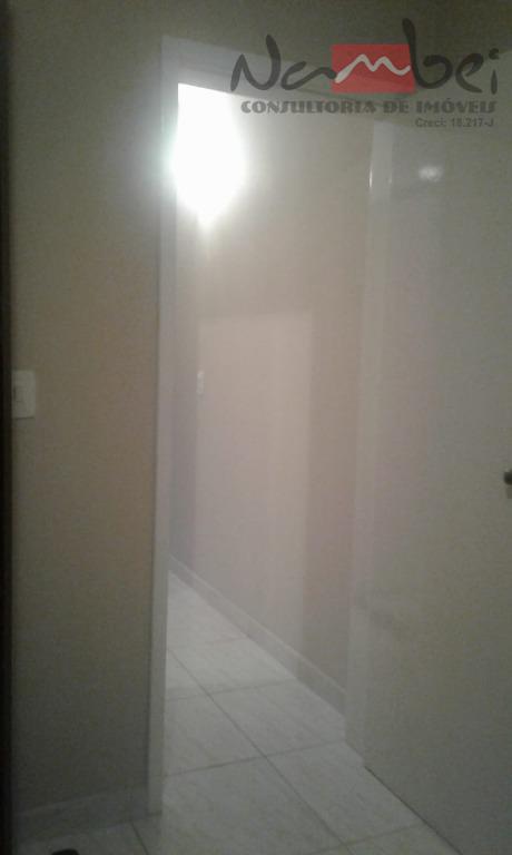 sobrado com 02 dormitórios, sala, cozinha, wc, lavabo, área de serviço e 03 vagas de garagem.espaço...