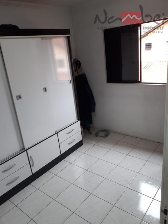 sobrado em condomínio com 02 dormitórios, sala, cozinha c/ móveis planejados, banheiro, lavabo, área de serviço...