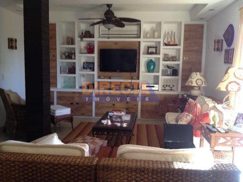 casa com 5 dormitórios sendo 3 suítes e 2 demi-suítes, salas de jantar, estar, lareira, escritório,...