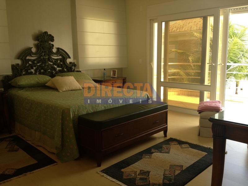 residência em jurerê internacional, 100 metros do mar, completamente mobiliada, decorada e equipada, piscina de concreto...