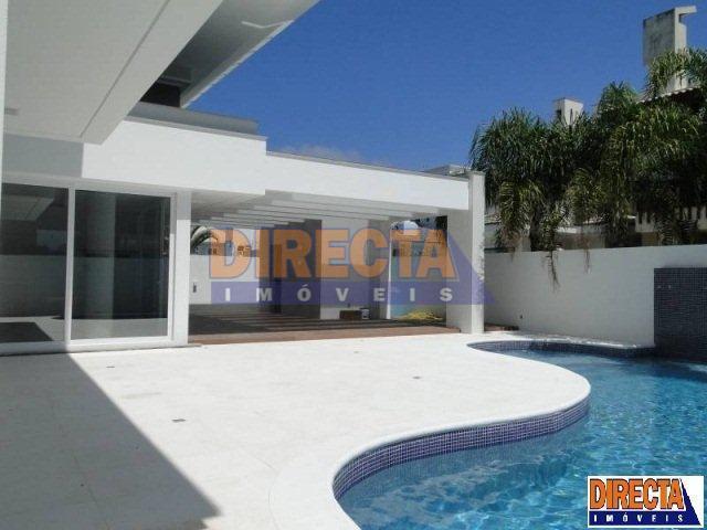 casa alto padrão, a venda, 150 m do mar de jurerê internacional, com 8 dormitórios sendo...