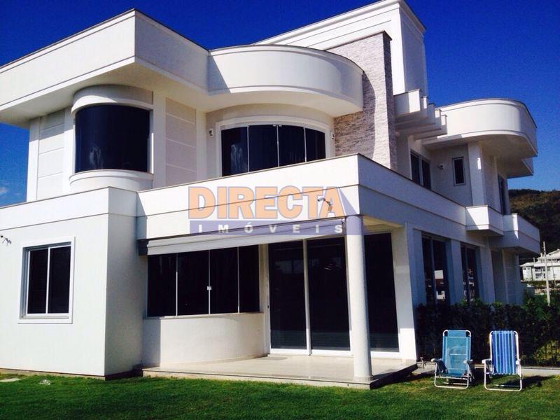 Casa muito bem localizada à venda em Jurerê