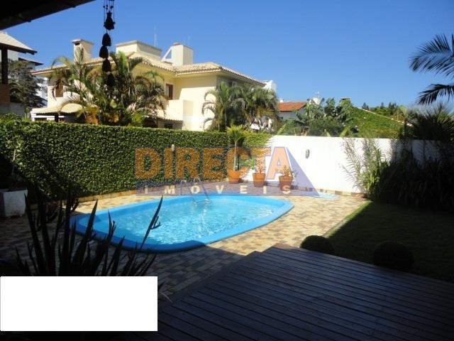 òtima residencia em jurere internacional, a 500m da praia em ótima localização, ao lado do opén...
