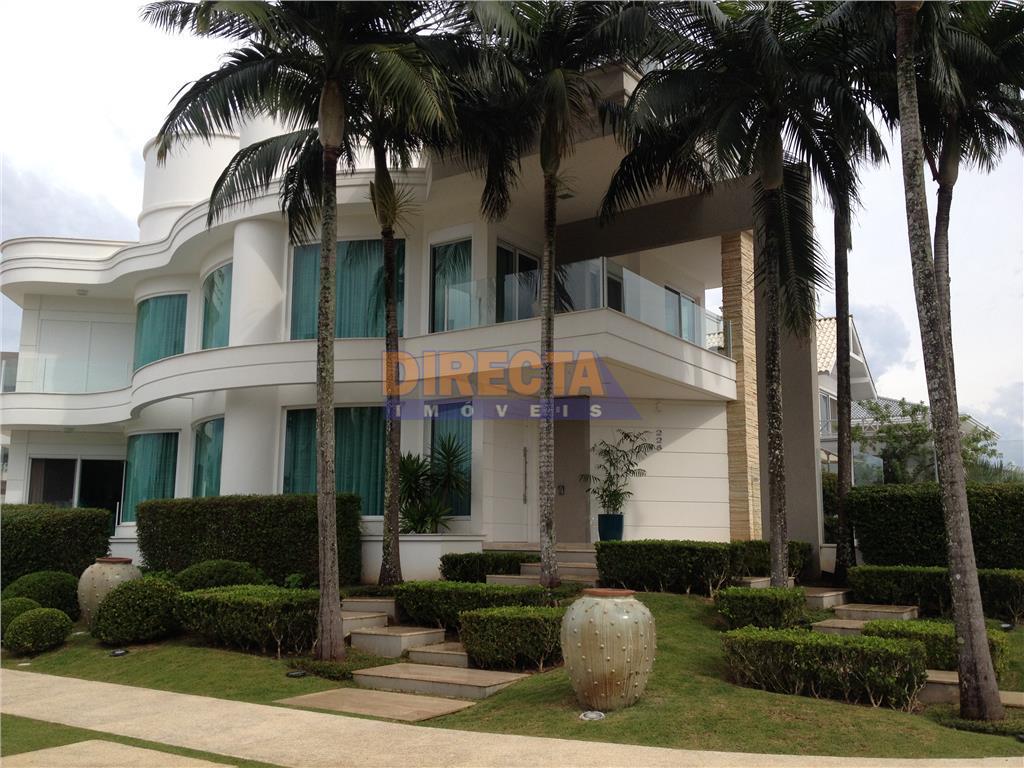 maravilhosa mansão em jurerê internacional!!! localizada a menos de 100 metros do mar esta mansão possui...