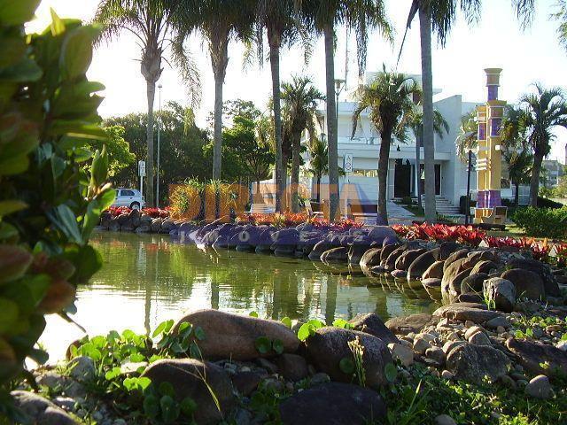 terreno à venda no parque amoraeville em jurerê internacional, com 775 m2 de área. localizado na...