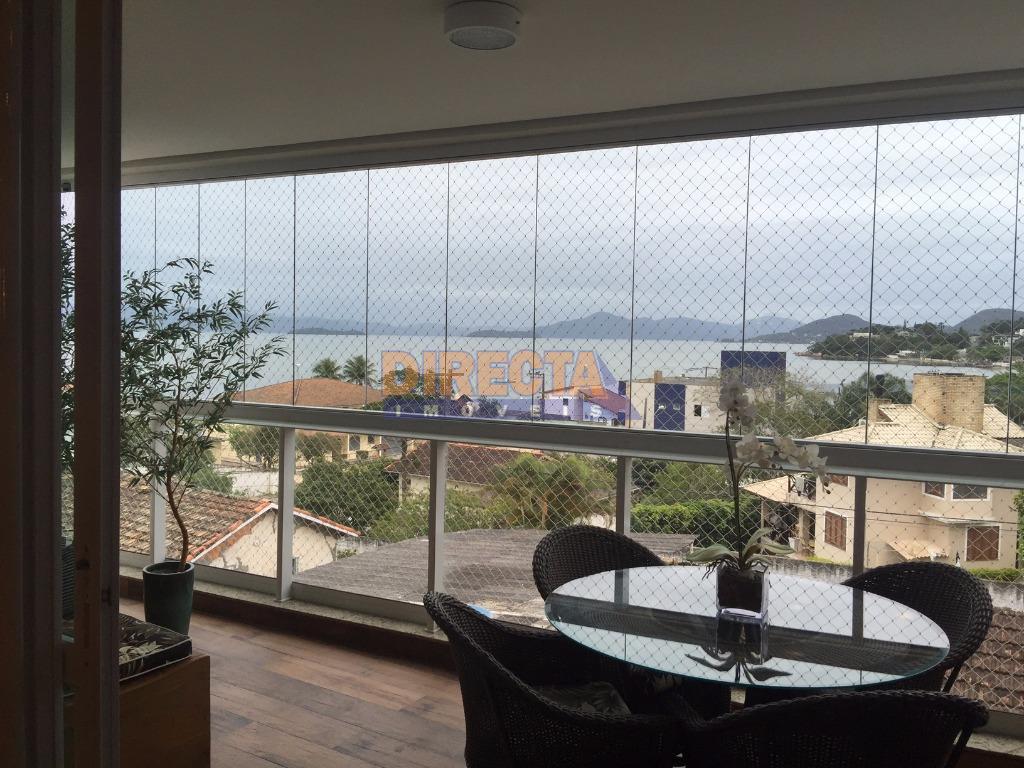 maravilhoso apartamento amplo, com varandão e vista para o mar.imóvel decorado finamento com bom gosto e...