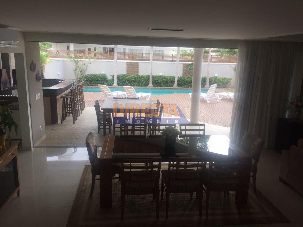 oportunidade em jurerê!!belíssima casa com 4 suítes, em excelente localização, próxima a bancos, supermercado, escola, perfeita...
