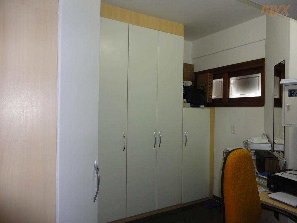 *excelente apto. 3 dorm. sendo 1 suíte, andar alto, vista livre.banheiro de empregada, armários embutidos na...