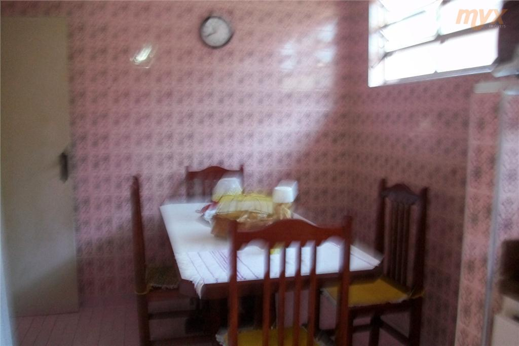 triplex: 1º piso terreo - dependencia de empregada completa 2º piso salas 2 ambientes e dormitórios + lavanderia 3º...