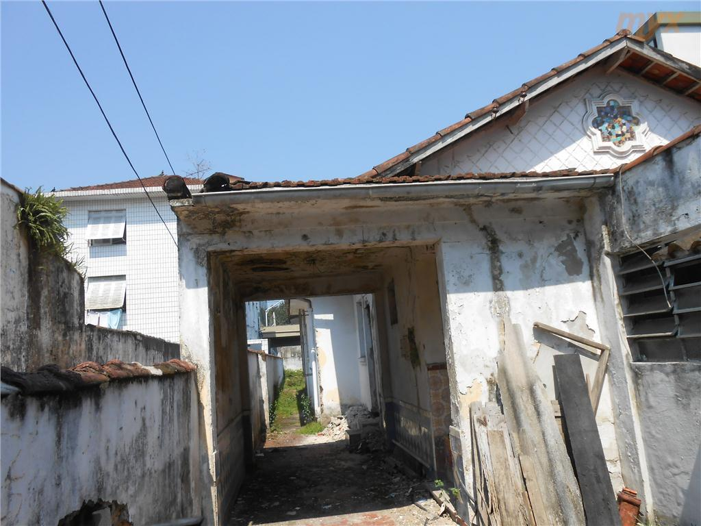 terreno com casa para demolir.