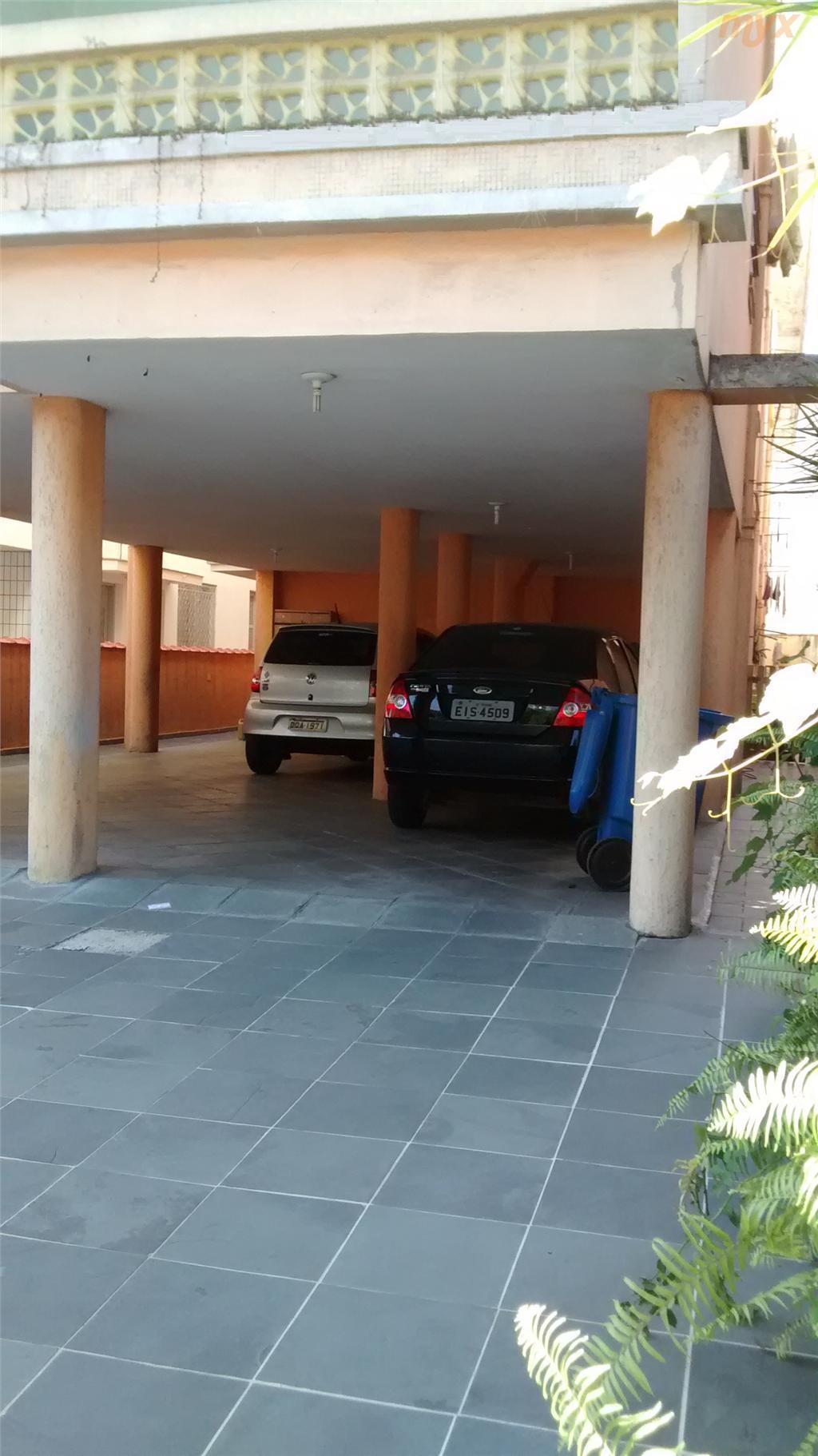 boqueirão, próximo a faculdade santa cecília e supercentro boqueirão.1 dormitório, térreo, w.c e vaga de garagem...