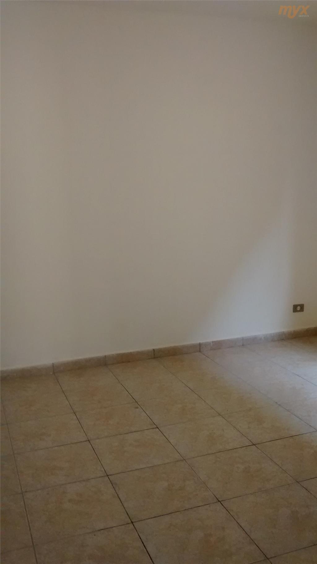 sobreposta baixa, 2 dormitórios, sala, cozinha, área de serviço e quintal, 1 vaga de garagem.documentacão okaceita...