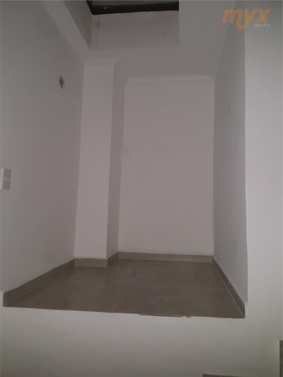 sobrado triplex novo, em condomínio fechado, com 2 suítes e área de churrasqueira comum do condomínio....
