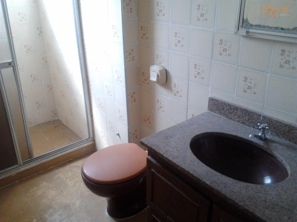 amplo apartamento de 2 dormitórios, com wc social e wc de empregada. vista livre, local de...