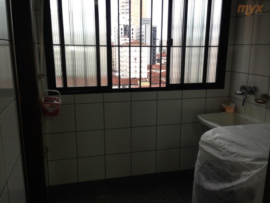 apartamento de frente com sacada, andar alto, 136,896m² de área útil, hall de entrada com teto...