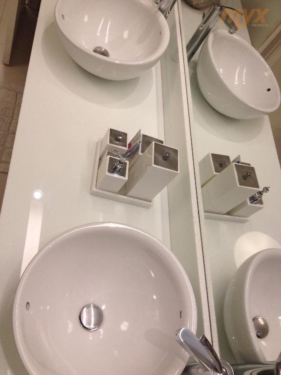 sobreposta duplex - finamente decorada - aparecida - toda em porcelanato - parte inferior: 2 suítes,...
