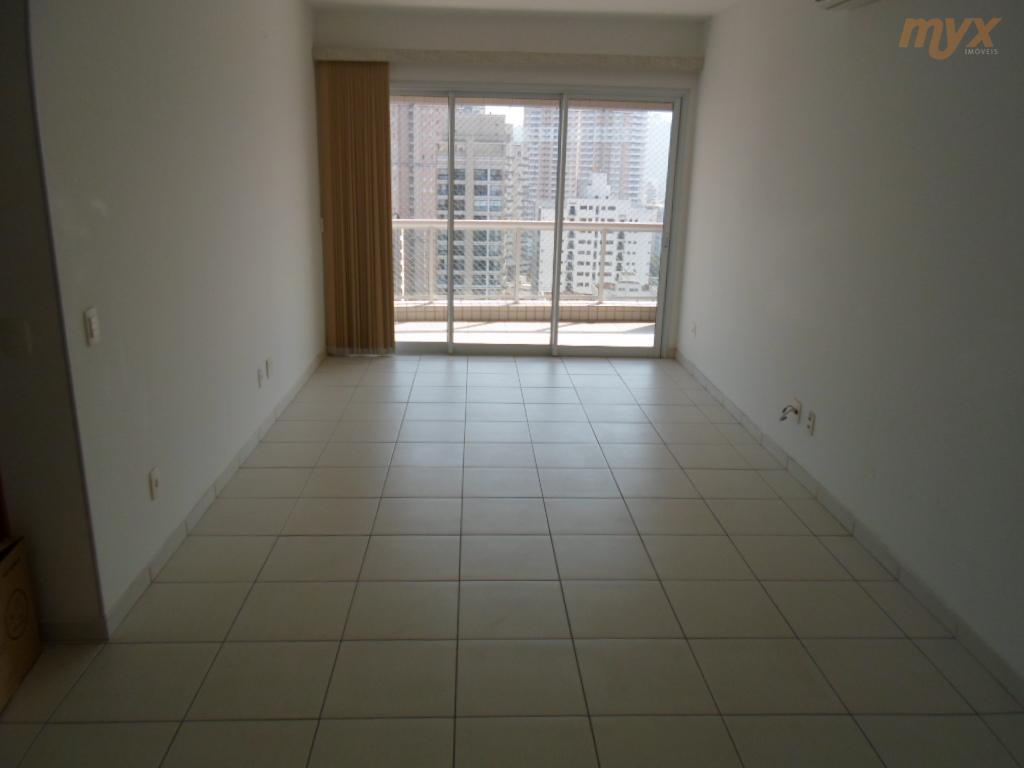 lindo apartamento localizado no coração da cidade, bairro do gonzaga, ao lado de shoppings, bancos, hospitais...