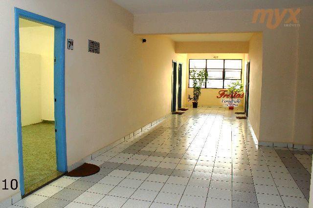 aluga-se linda sala comercial com 45 m2, dois banheiros, cozinha, chuveiro e ampla vista da cidade...