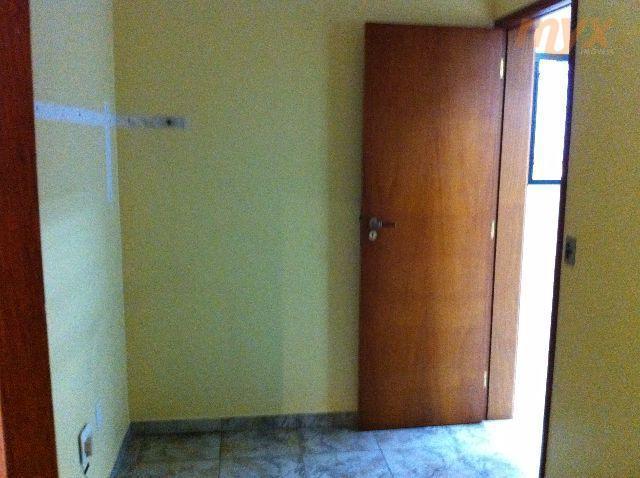 belo apartamento no bairro da aparecida, em edíficio semi novo e bem procurado, com boa sala...