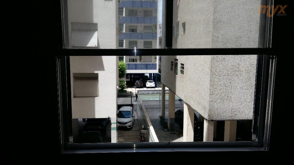 ponta da praia - apto de frente - prédio com elevador - apartamento de 1 dormitório,...
