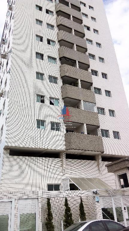 Lindo Apartamento para venda e locação com 2 dormitórios com 1 suite, armários planejados e piso em porcelanato. Bem localizado.