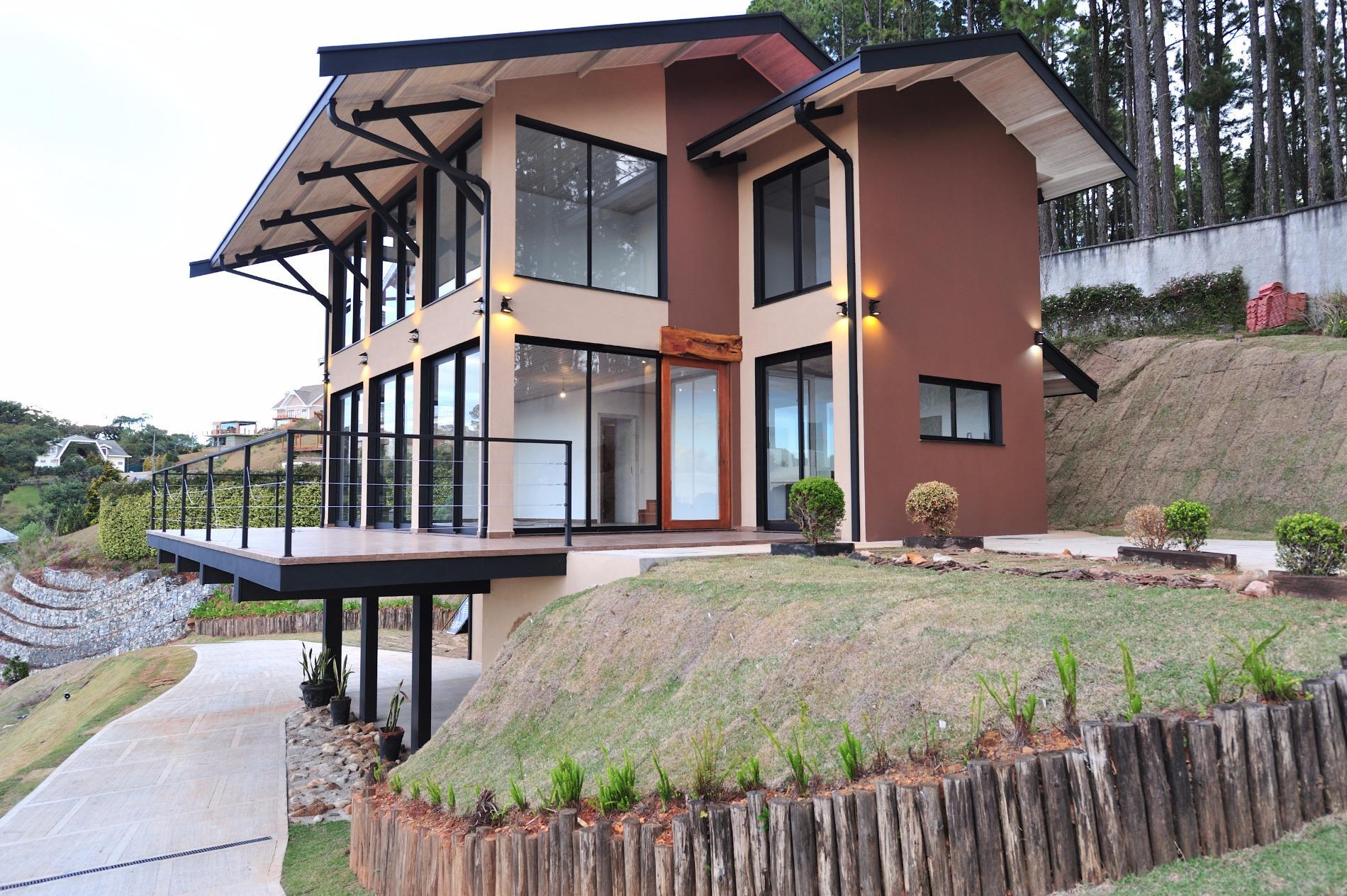 Casa nova residencial à venda, Nova Capivari, Campos do Jordão.