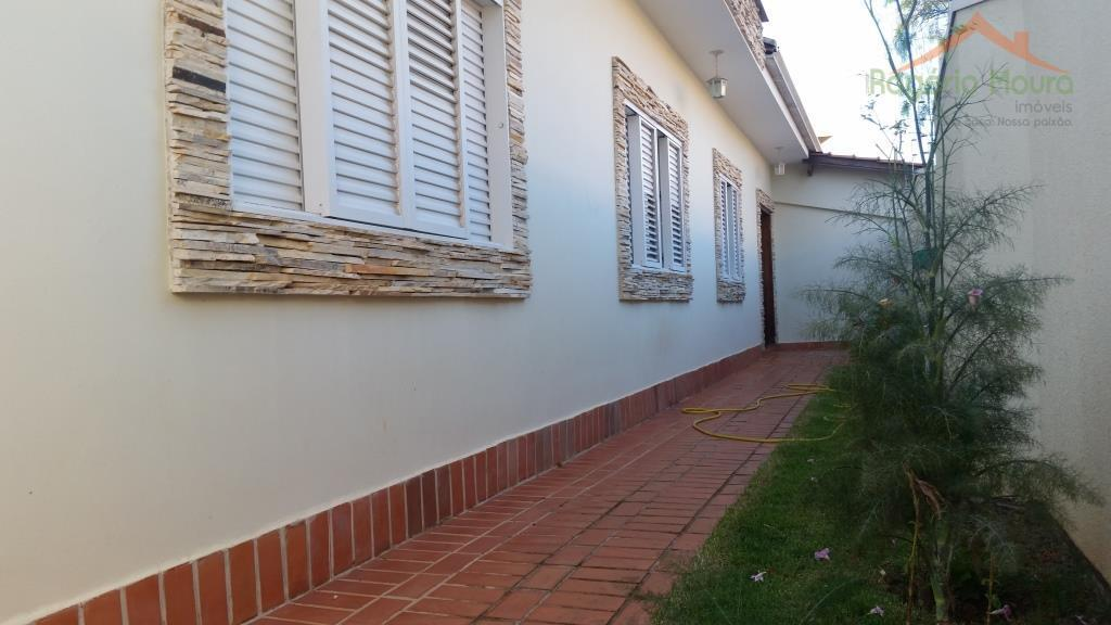 excepcional casa no residencial colinas park, alfenas, mg.são 4 dormitórios (2 suítes, uma delas com closet...