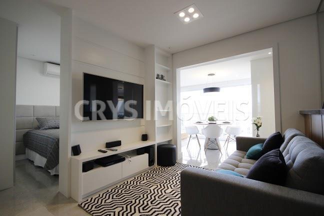 apartamento em local nobre no itaim; de extremo bom gosto, decoração sensacional com absolutamente tudo em...