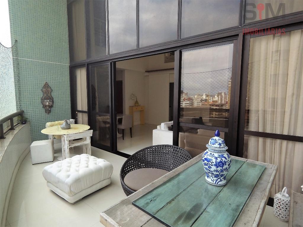 Apartamento Duplex de 03 suítes, alto, com armários e infraestrutura à venda, Aquárius, Salvador.