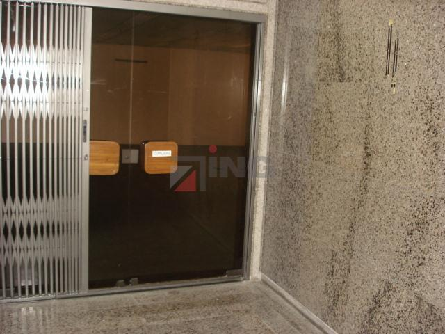 o finabank está localizado na região centro da cidade de são paulo; com um total de...