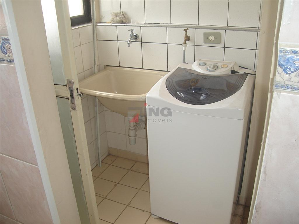 apartamento reformado em ótimo estado. pronto para morar. com sacada. piso frio. moldura de gesso em...