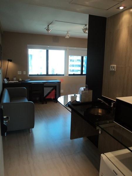 flat de alto padrão mobiliado na avenida ibirapuera. super bem decorado.diversos serviços: arrumadeira, manobrista, tv a...
