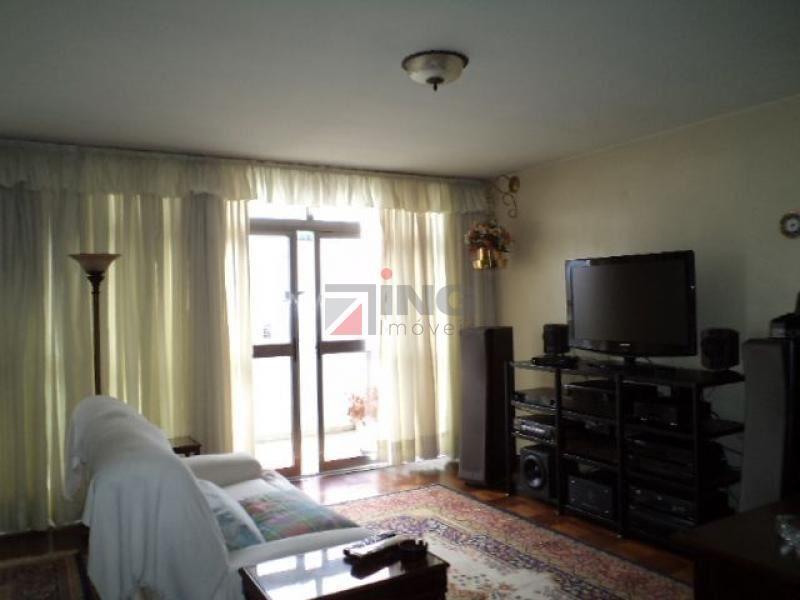 Apartamento com varanda próximo a Av. Paulista