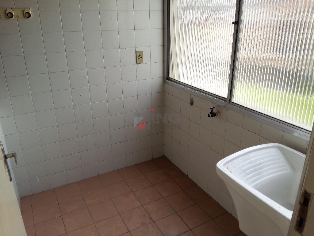 apartamento com 01 dormitório / sala / cozinha e área de serviço / 01 banheiro social...