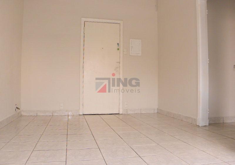 Vende-se apartamento pronto para morar à 200 metros do metrô Anhangabaú