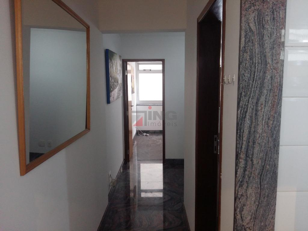 apartamento com 30 m² de área útil / 01 dormitório com armários planejados / cama em...