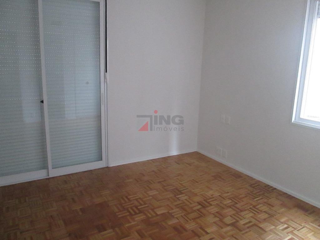 excelente apartamento na região do jardins (rua haddock lobo), próximo a rua oscar freire.são 158 m²...