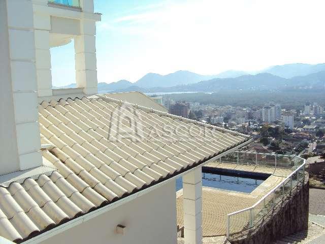 Casa com 4 Suítes + Dependência de Empregada , Semi-mobiliada na Trindade VISTA MARAVILHOSA DA BEIRA-MAR NORTE !!!