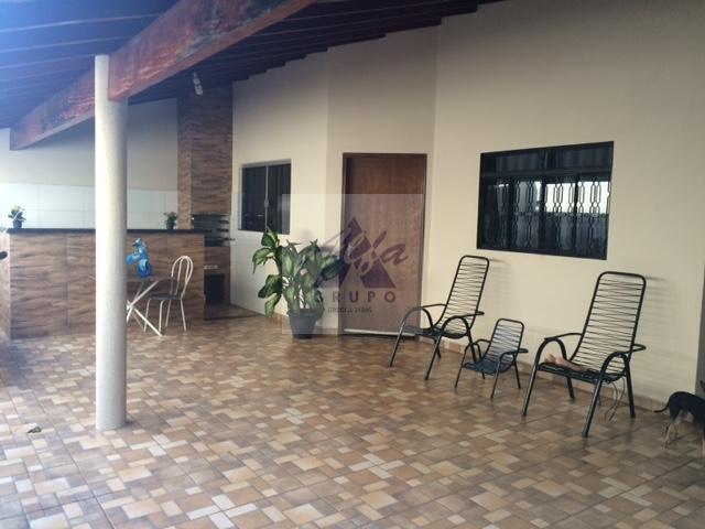 Casa residencial à venda, Jardim Universitário, Barretos.