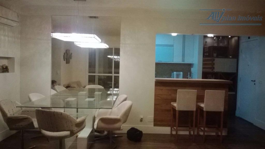 Apto 3 dorms, mobiliado, suite, varanda gourmet,  02 vagas, prédio com área de lazer, na Ponta da Praia.