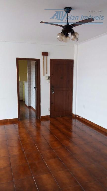 apartamento com 100 m², 3 dormitórios, armários, vista mar, área de serviço. prédio com elevador social...