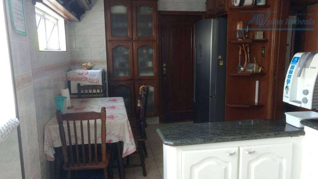 apartamento de 98 m², com 2 dormitorios, piso frio, mobiliado, armarios, sala 2 ambientes, ar condicionado,...