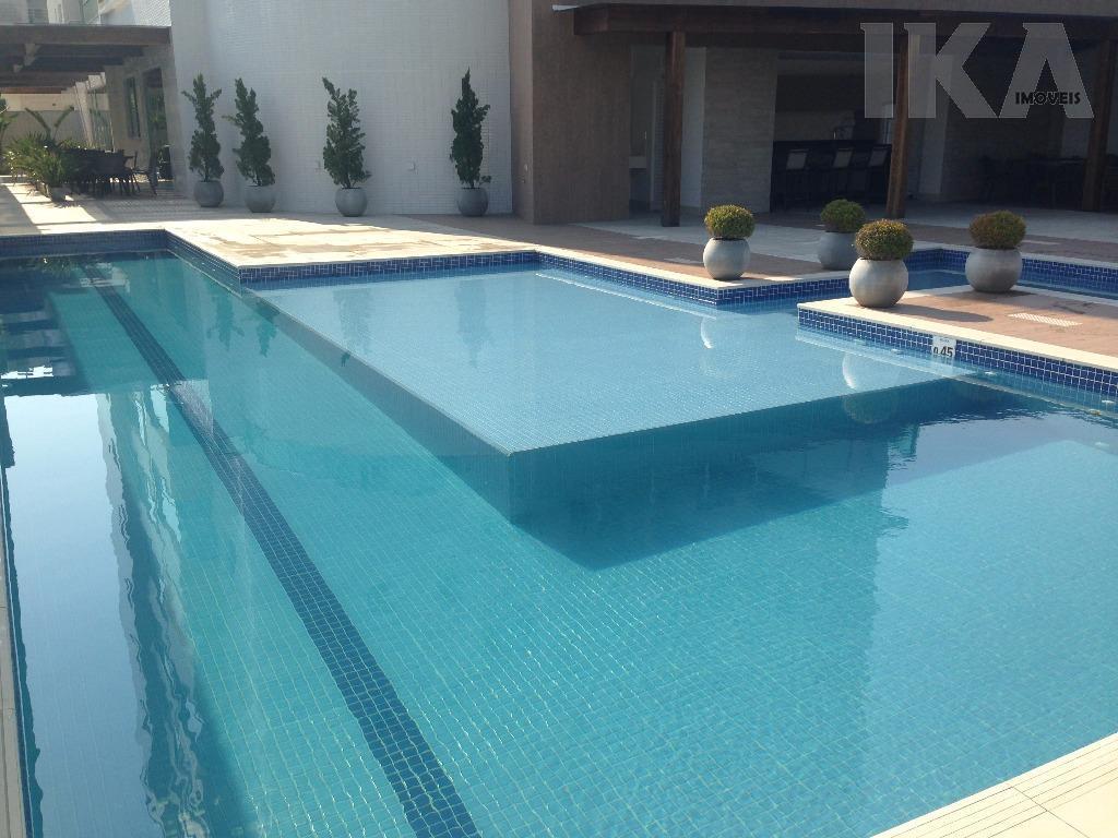 Vendo apartamento novo  a 100 metros da praia dos Amores Balneário Camboriú