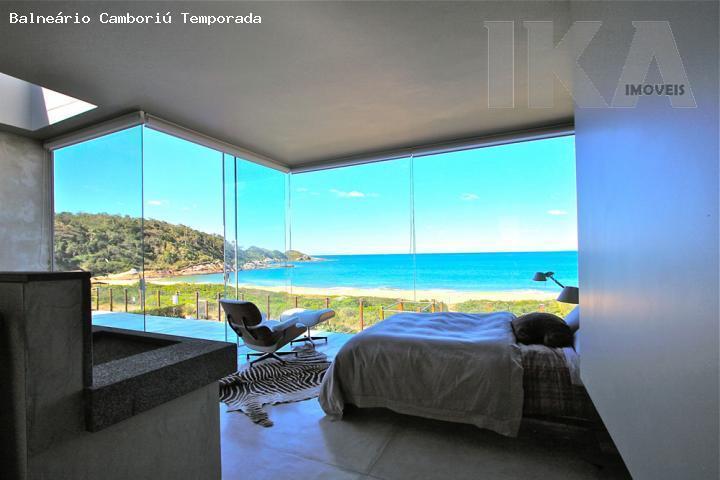 Aluguel Temporada. Magnifica casa frente mar, com piscina em condomínio de luxo na praia de Estaleirinho
