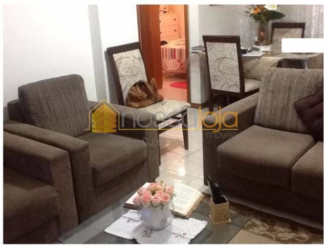 Excelente Apartamento, 2 Vagas, Mobiliado, Sala, 2 Qtos, Banheiro Social, Cozinha, Área, Play Clube.