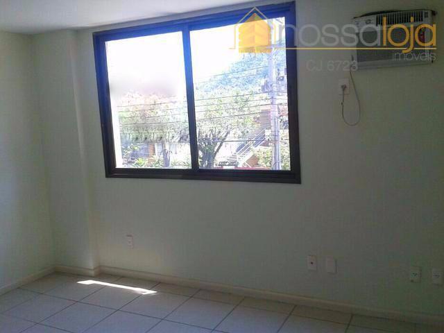 ap2784 - excelente apartamento, com piso cerâmico em todos os cômodos, claro e arejado, silencioso, pronto...